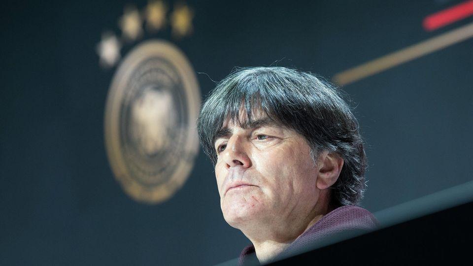 Joachim Löw während seiner letzten Pk als Nationaltrainer nach dem Aus bei der EM 2021