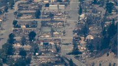 Das durch ein Feuer fast vollständig zerstörte Lytton in Kanada