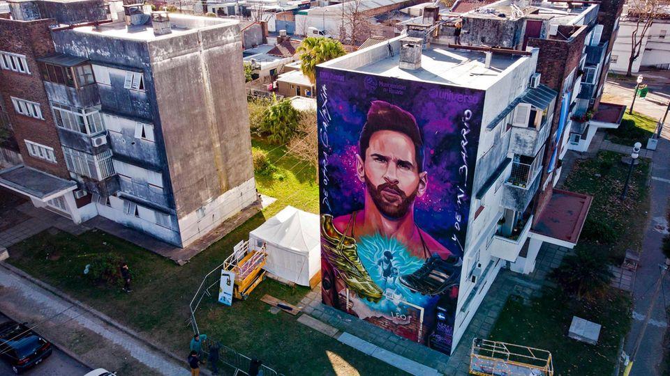 Lionel Messi auf einem riesigen Wandgemälde in Rosario