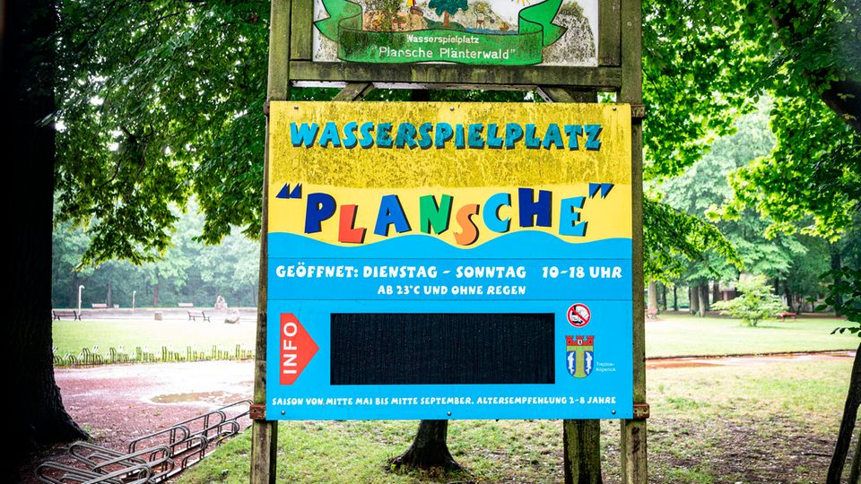 Eingangsschild der Plansche im Plänterwald