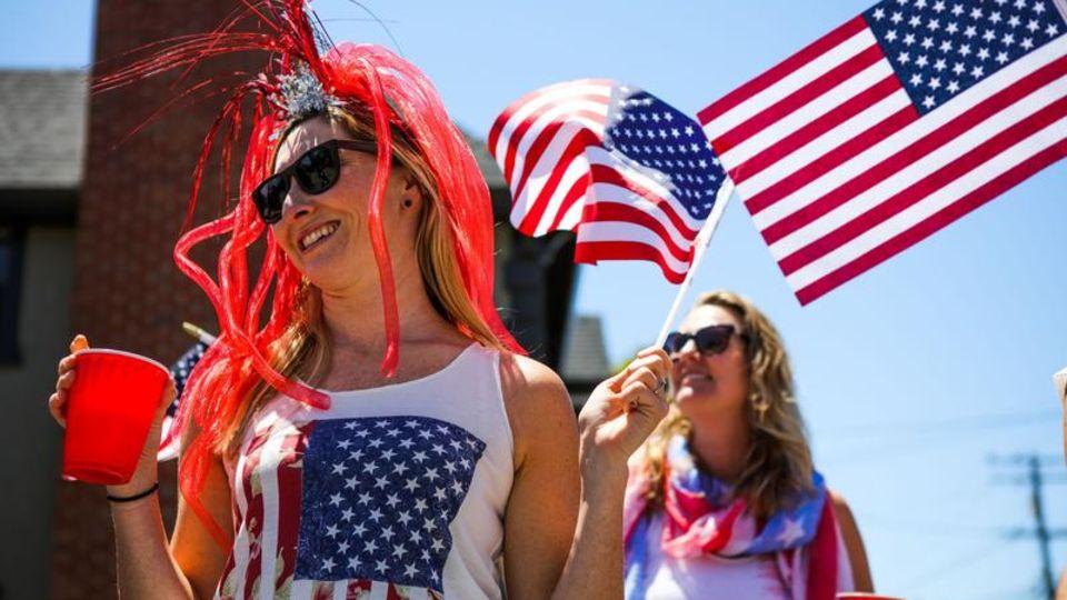 Amerikaner in Nationalfarben