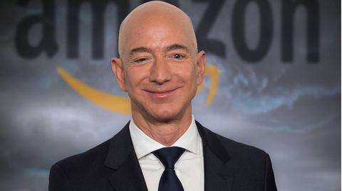 27 Jahre nach der Gründung von Amazonlegt Jeff Bezos die Konzernleitungnieder.