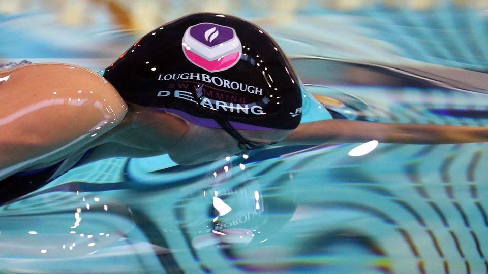 Alice Dearing ist die erste Schwarze Schwimmerin, die für Großbritannien bei den Olympischen Spielen teilnimmt. Sie ist Markenbotschafterin für Soul Caps