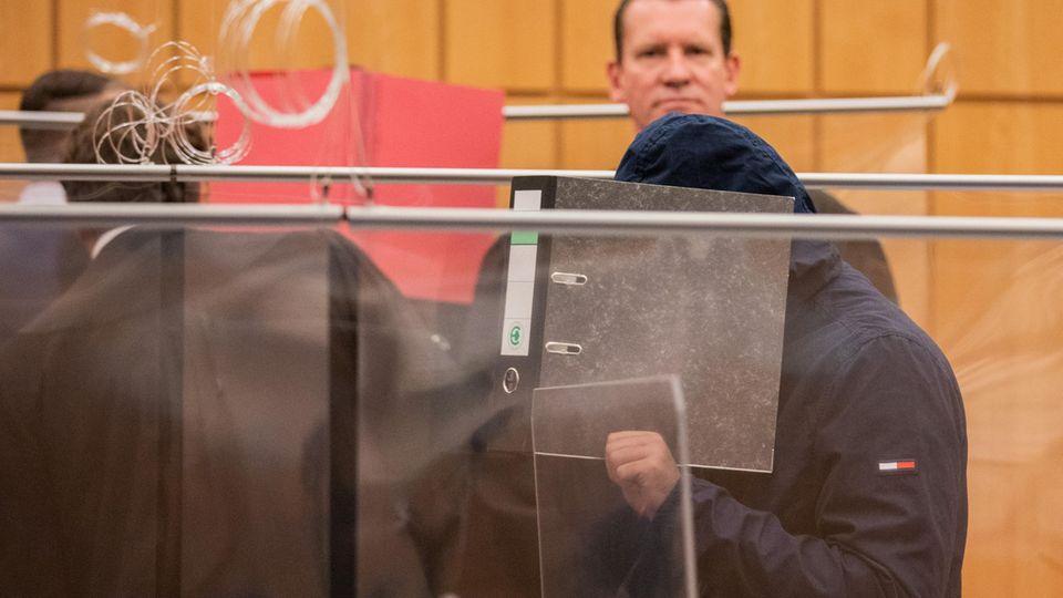 Der Hauptangeklagte vor dem Prozessauftakt im Landgericht Münster