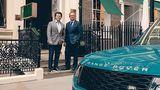 Gerry McGovern und Edelschneider Henry Poole kreierten einen speziellen Stoff anlässlich des Range Rover Jubiläums