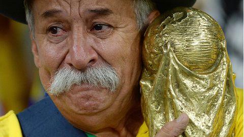 Der brasilianische Fußball-Fan Clovis Fernandes.