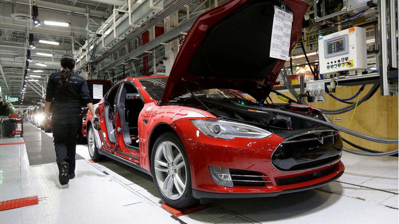 Ökobilanz von E-Autos: Wie viel CO2 setzt eine Tesla-Batterie frei?