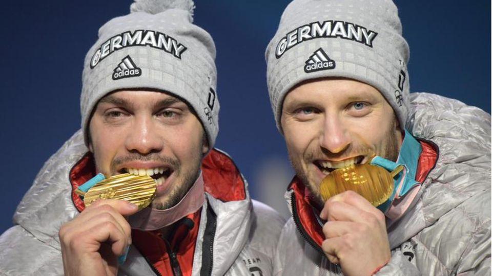 Deutsche Rennrodler mit Goldmedaillen