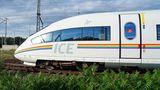 Regenbogen-ICE der Deutschen Bahn