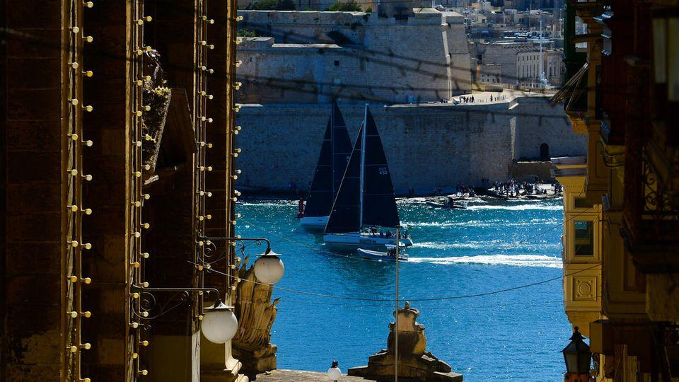 Malta, Valletta: Jachtensegeln durch den Grand Harbor