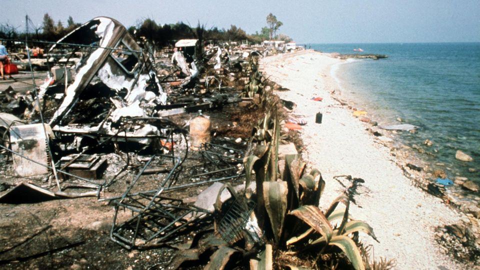 """Auf dem Campingplatz """"Los Alfaques"""" an der spanischen Mittelmeerküste ereignete sich ein schweres Explosionsunglück"""