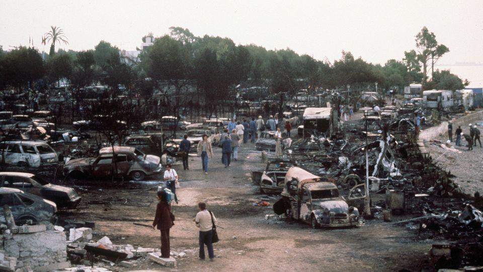 Blick über den verwüsteten Campingplatz an der Costa Daurada