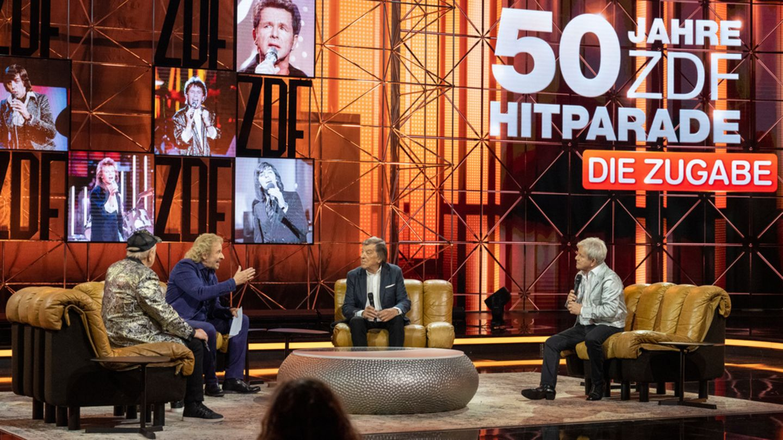 """""""50 Jahre ZDF-Hitparade – die Zugabe"""": Moderator Thomas Gottschalk (2.v.l.) mit Gästen"""