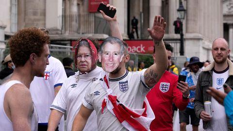 Britische Fußballfans in London vorm EM-Finale