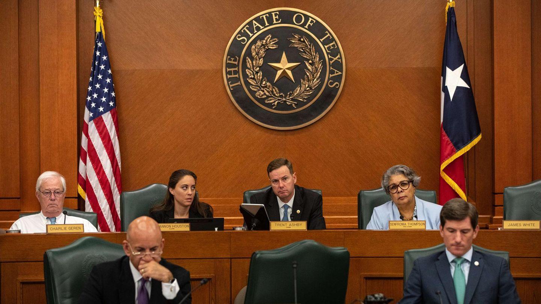"""Die Mitglieder des """"House Select Committee on Constitutional Rights and Remedies"""" von Texas beraten über eine Reform der Wahlgesetze"""
