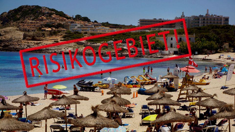 Der Strand Cala Agulla in Cala Ratjada im Westen Mallorcas. Die Insel ist wieder Corona-Risikogebiet.