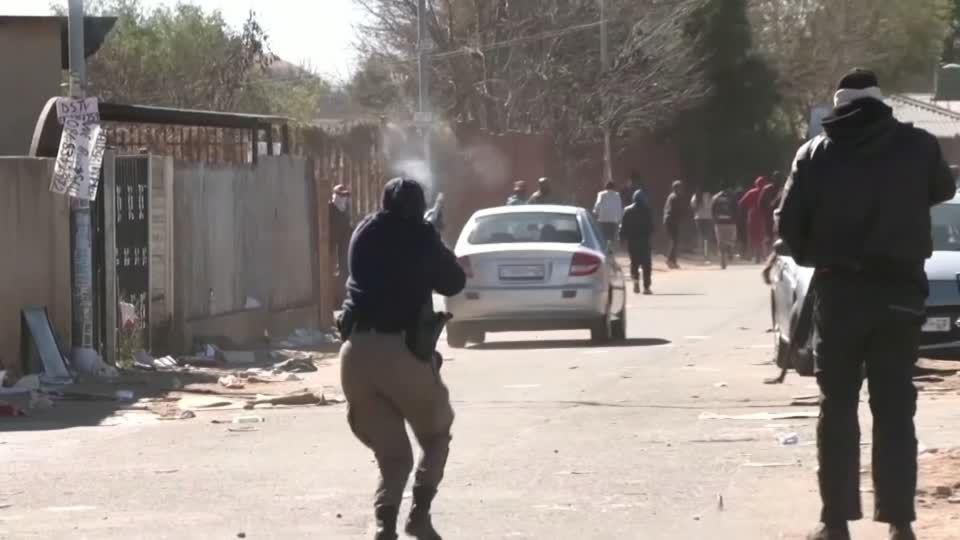 Unruhen eskalieren: Tote, Proteste und Plünderungen in Südafrika – nun greift die Gewalt auf weitere Regionen über