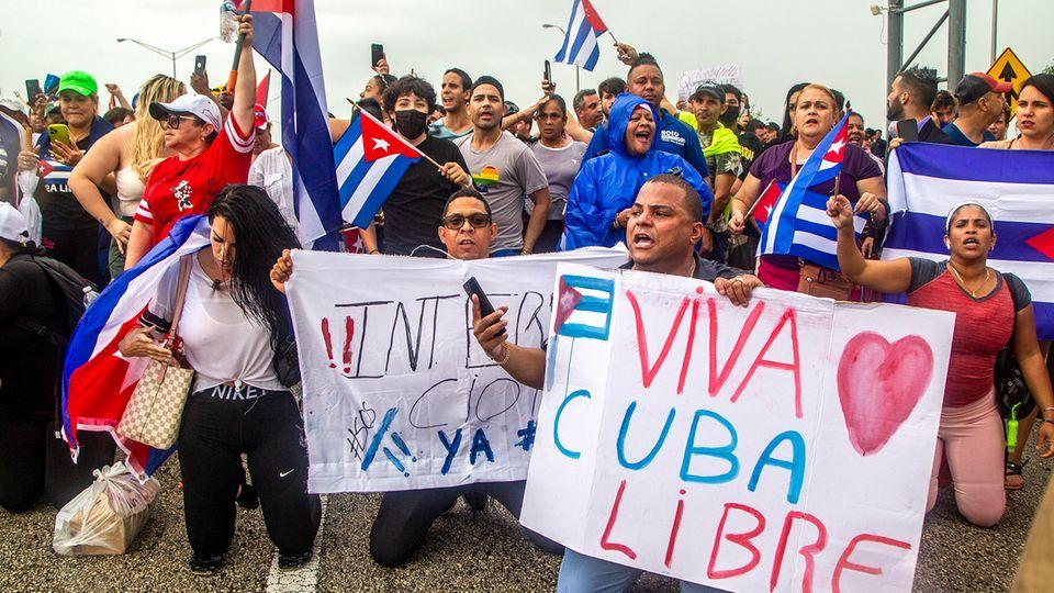 Proteste in den USA als Unterstützung für Kuba