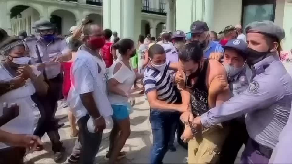 """Massenproteste: """"Die Kubaner haben nach Jahrzehnten des Mangels und Missstands nun eine Grenze erreicht"""""""