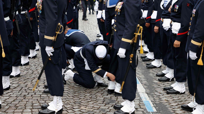 Ordnung muss sein: Marinesoldaten bei den letzten Vorbereitungen zu der der traditionellen Militärparade