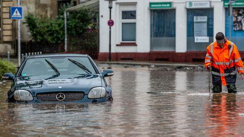 """Vielerorts Überflutungen nach Unwettern – Aussichten bleiben """"regenreich"""""""