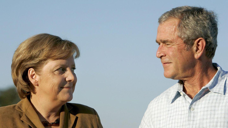 Der ehemalige US-Präsident George W. Bush (r) und Bundeskanzlerin Angela Merkel im Jahr 2007