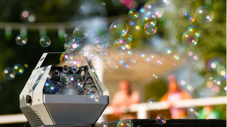Eine Maschine, die Seifenblasen erzeugt