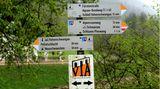 Das Gebiet eignet sich ideal zum Wandern, ob durch die Pöllatschlucht oder direkt an den Ufern von Alpsee und Schwansee oder entlang des Wildflusses Lech, der später an Augsburg vorbei in dieDonau mündet.