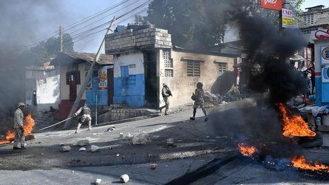Brennende Reifen in Haiti