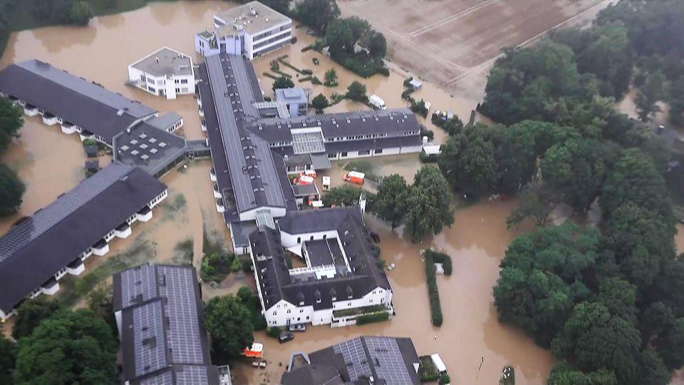 Hochwasser in Deutschland: Helikopter-Aufnahmen zeigen Ausmaß der Überschwemmungen