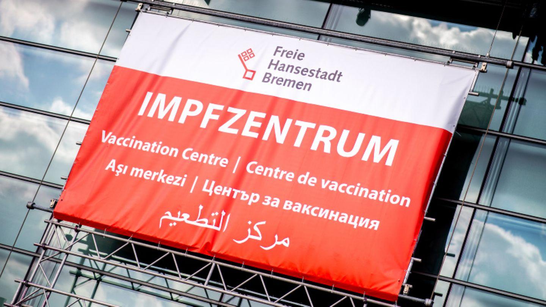 Eingang des Impfzentrums in Bremen