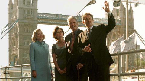 29. Mai 1997: Der damalige US-Präsident Bill Clinton vor der Tower Bridge in London