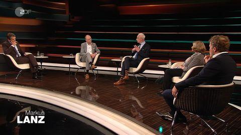 ZDF-Talker Markus Lanz mit einem Teil seiner Gäste