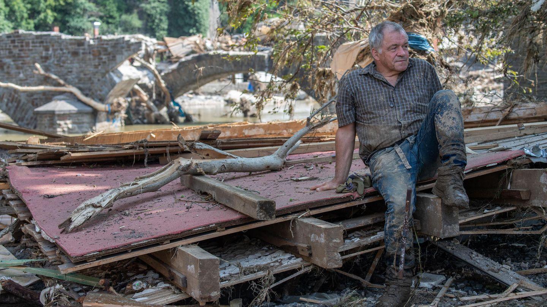Aufräumarbeiten in den vom Hochwasser zerstörten Gebieten