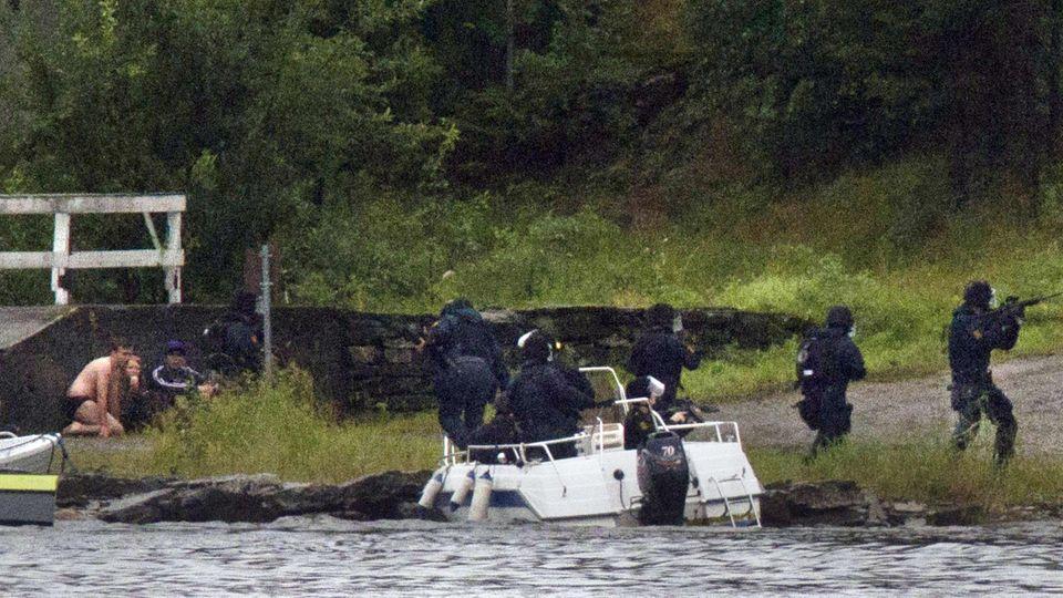 """Spezialkräfte der """"Delta""""-Spezialeinheit betretenUtøya"""