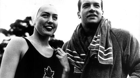 Unter seinem GeburtsnamenCarlo Pedersoli nahm der Italiener 1952 und 1956 an den Olympischen Spielen im Schwimmen teil - blieb allerdings ohne Medaille.