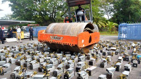Dampfwalze zerstört Bitcoin-Rechner in Malaysia