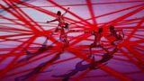 Eröffnung Tänzer in rot