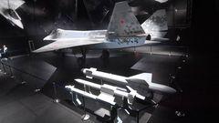 Die Su-75 wurde mit einem ganzen Arsenal an Waffen ausgestellt.