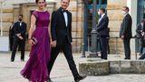 """Aus Sachsen kam Ministerpräsident Michael Kretschmer (CDU) mit seiner Frau Annett Hofmann angereist, um dem """"Fliegenden Holländer"""" zu lauschen."""