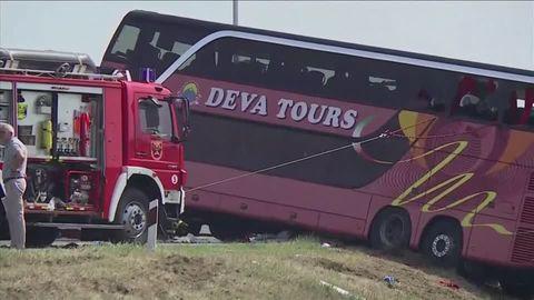 Unglück in Indien: Mindestens 32 Menschen sterben bei Busunfall