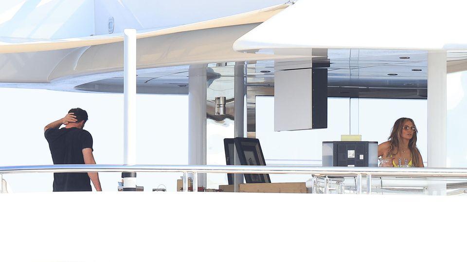 Traumkulisse für ein Traumpaar: Jennifer Lopez und Ben Affleck schippern auf einer gemieteten Yacht durchs Mittelmeer.
