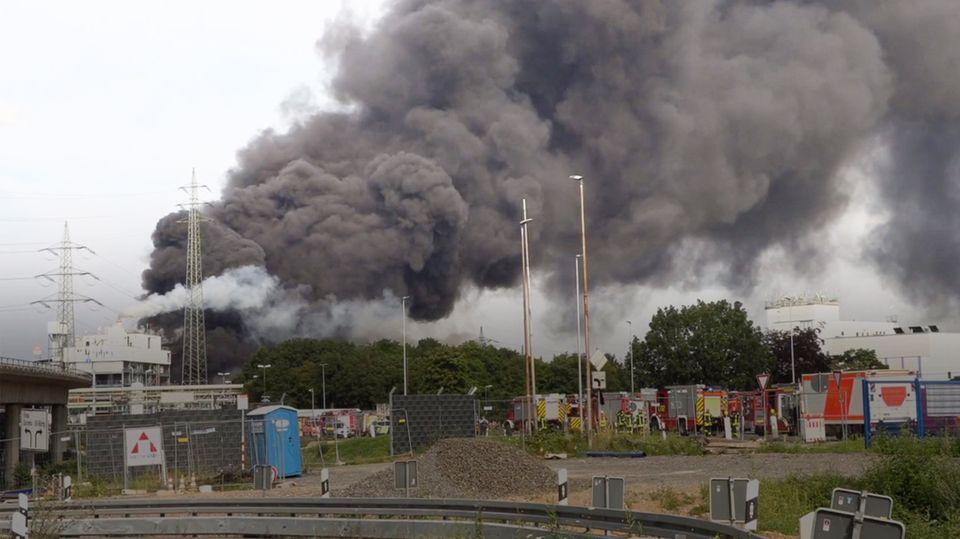 Explosion in Chemiepark erschüttert Leverkusen