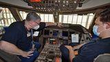 Cockpit der Boeing 747-8