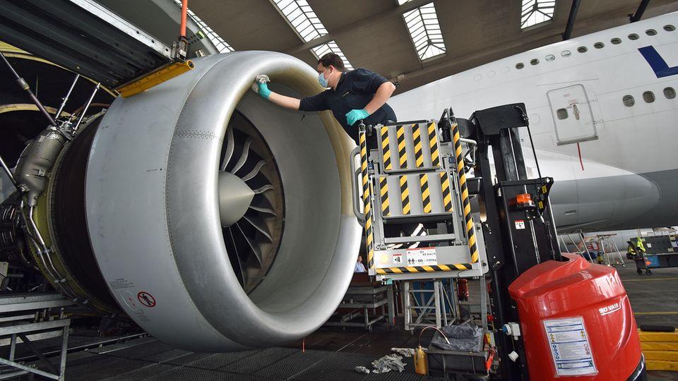 Triebwerke einer Boeing 747-8 der Lufthansa