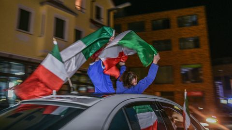 Italienische Fans feiern den EM-Titel