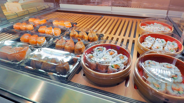 Japanische Essensboxen in einem Supermarkt
