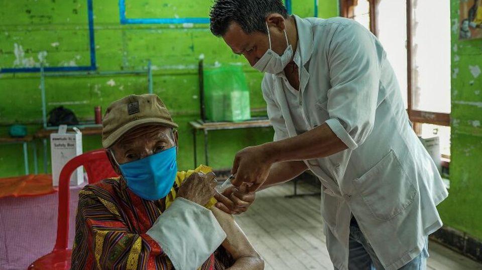 Corona-Impfung in Bhutan