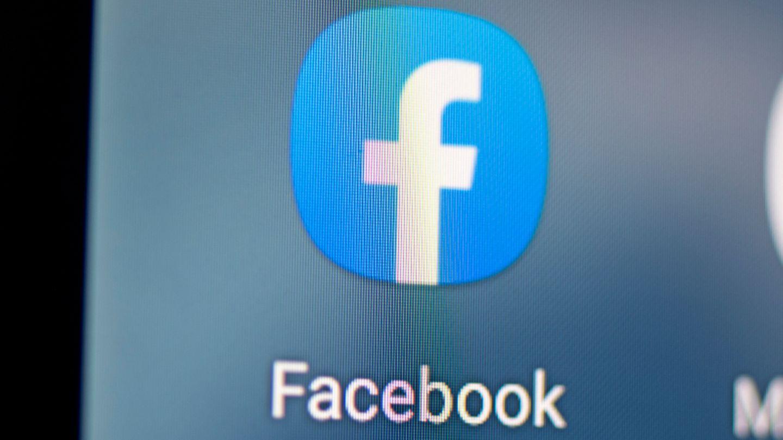 Facebook App auf einem Smartphone