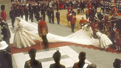 Geheiratet wurde in der Londoner Innenstadt in der St. Paul's Cathedral, zahlreiche Zuschauer waren schon früh morgens vor Ort, um einen Blick auf das Paar zu erhaschen.